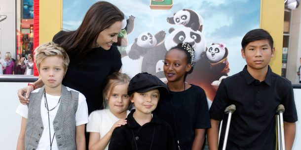 landscape-1453240803-elle-angelina-jolie-and-children-associated-press